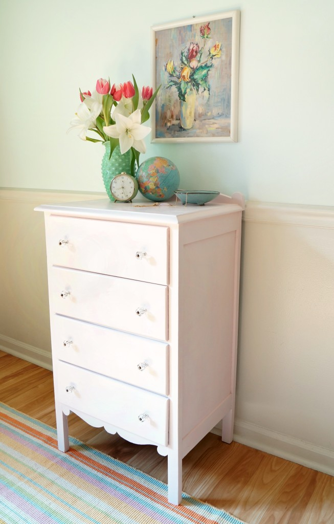 A dresser makeover and using chalk paint for the first time - Minimum temperature for painting ...